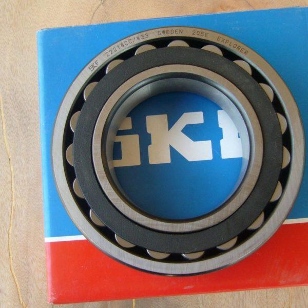 بلبرینگ SKF مدل 22208 CCW33/C3 بلبرینگ SKF مدل 22205 CCW33/C3
